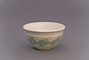 three cup bowl